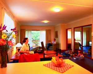 Oxley Court Serviced Apartments - Hervey Bay Accommodation