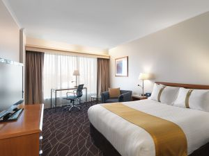 Holiday Inn Sydney Airport - Hervey Bay Accommodation
