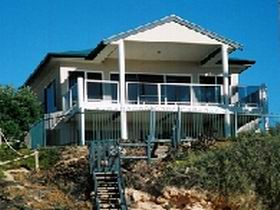 Top Deck Cliff House - Hervey Bay Accommodation