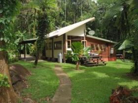 Stonewood Retreat - Hervey Bay Accommodation