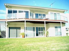 Swanport Views Holiday Home - Hervey Bay Accommodation
