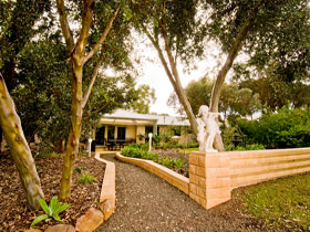 Correa Corner Bed  Breakfast - Hervey Bay Accommodation