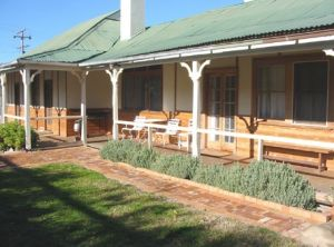 Gundagai Historic Cottages Bed and Breakfast - Hervey Bay Accommodation