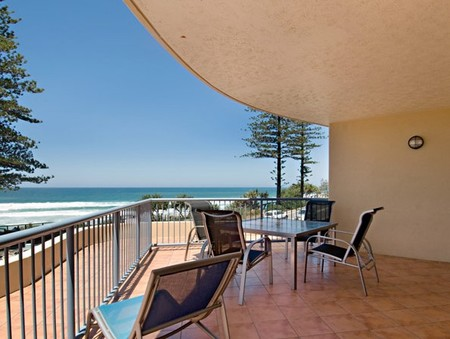 Coolum Baywatch Resort - Hervey Bay Accommodation