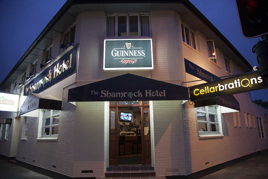 Shamrock Hotel - Hervey Bay Accommodation