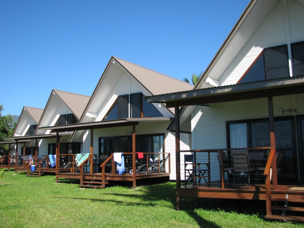 Cardwell Beachcomber Motel  Tourist Park - Hervey Bay Accommodation
