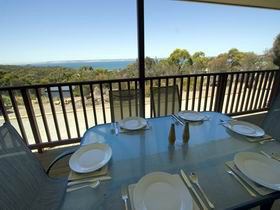 American River Water View Cottage - Hervey Bay Accommodation