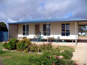 A Place To Stay - Hervey Bay Accommodation