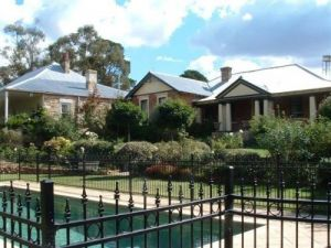 Chapel House - Hervey Bay Accommodation