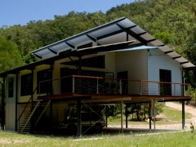 Creek Valley Rainforest Retreat - Hervey Bay Accommodation