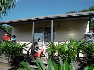 Canton Beach Waterfront Tourist Park - Hervey Bay Accommodation