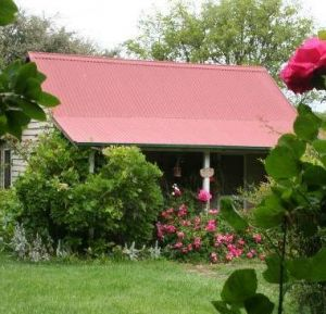 Poppys Cottage Bed And Breakfast - Hervey Bay Accommodation