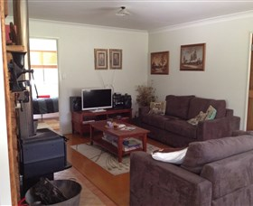 Possum's Hollow And Hooter's Hut - Hervey Bay Accommodation