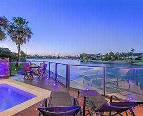 Kurrawa Cove at Vogue Holiday Homes - Hervey Bay Accommodation