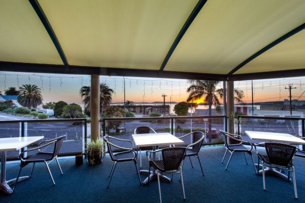 Adventure Backpackers - Hervey Bay Accommodation