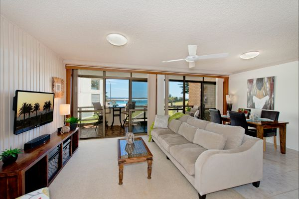 Beauty At The Beach - Hervey Bay Accommodation