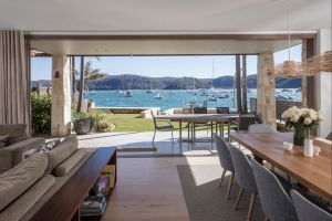 Pittwater Beach House - Hervey Bay Accommodation