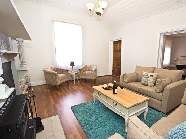 Queen's Cottage Barossa Valley - Hervey Bay Accommodation