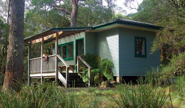 Toms Cabin - Hervey Bay Accommodation
