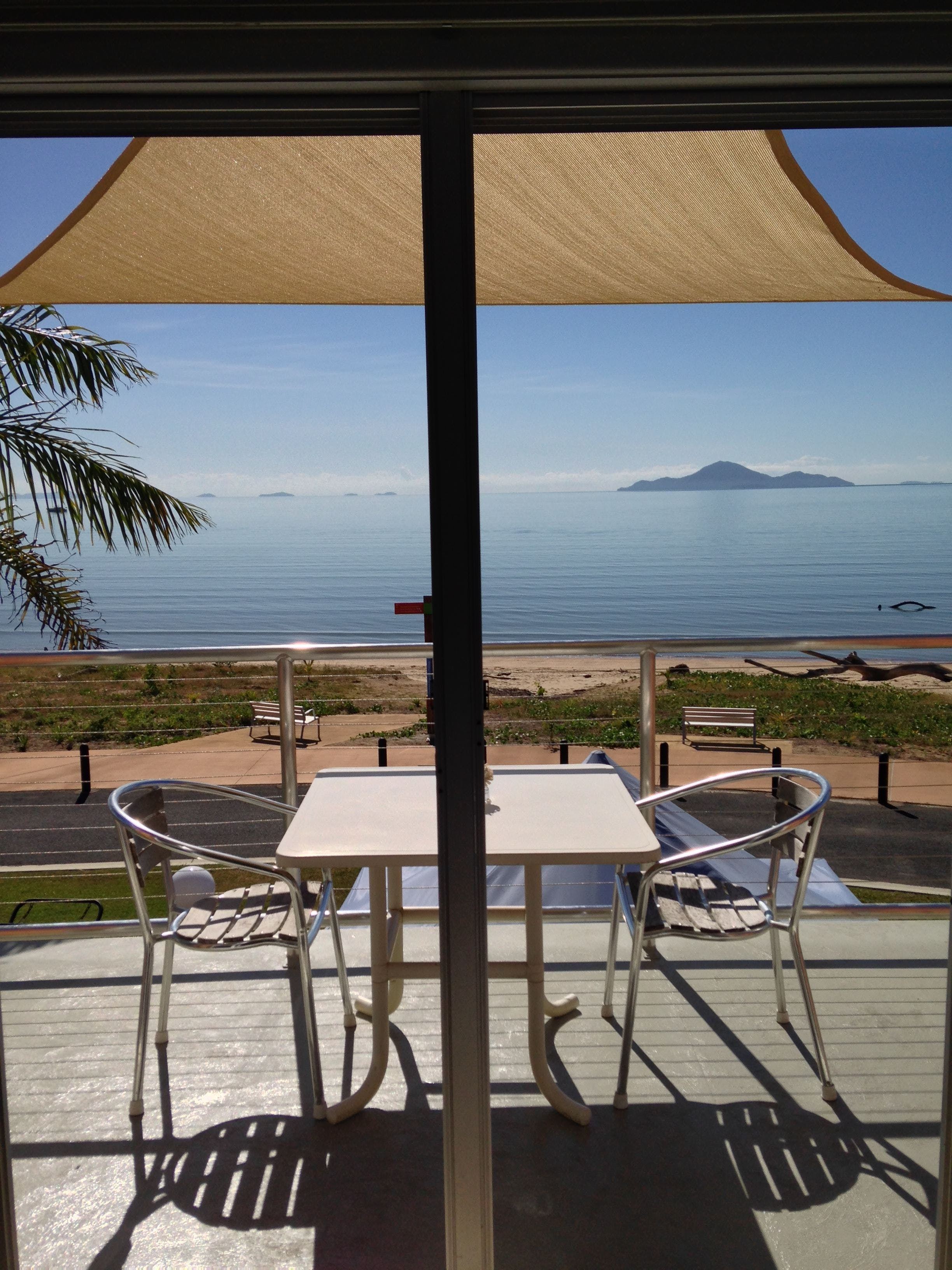 Cardwell Beachfront Motel - Hervey Bay Accommodation