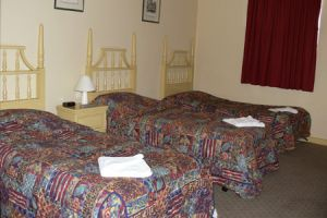 Knickerbocker Hotel Motel - Hervey Bay Accommodation