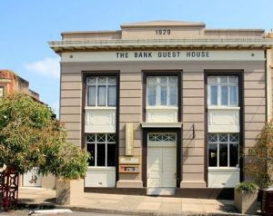 The Bank Guest House  Tellers Restaurant - Hervey Bay Accommodation