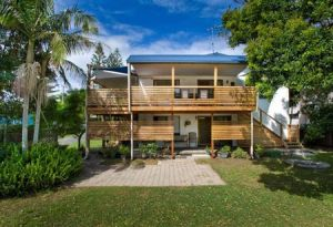 Wooli Serviced Apartments - Hervey Bay Accommodation