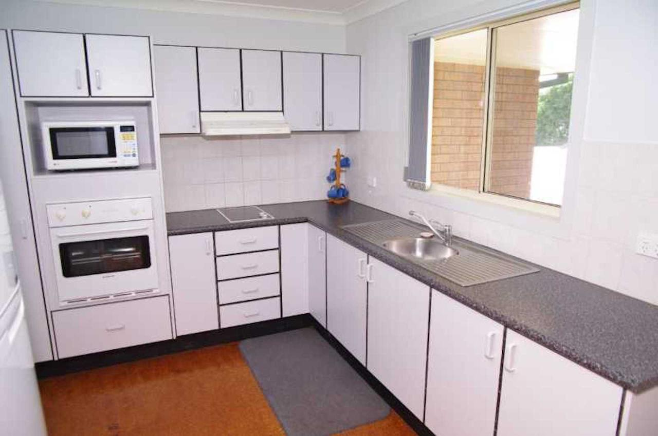 Bellhaven 1 17 Willow Street - Hervey Bay Accommodation