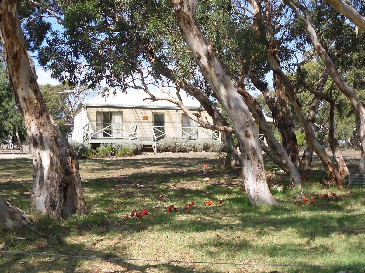 Wenton Farm Holiday Cottages - Hervey Bay Accommodation