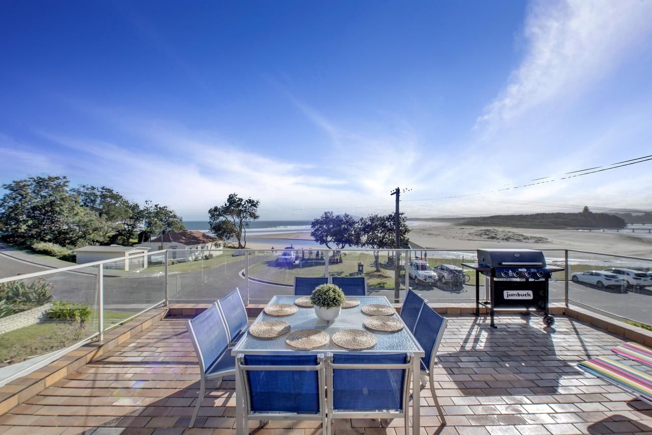 The Rotunda  Gerroa - Pet Friendly Beachfront - Hervey Bay Accommodation