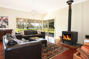 Terara Riverside Retreat - Hervey Bay Accommodation