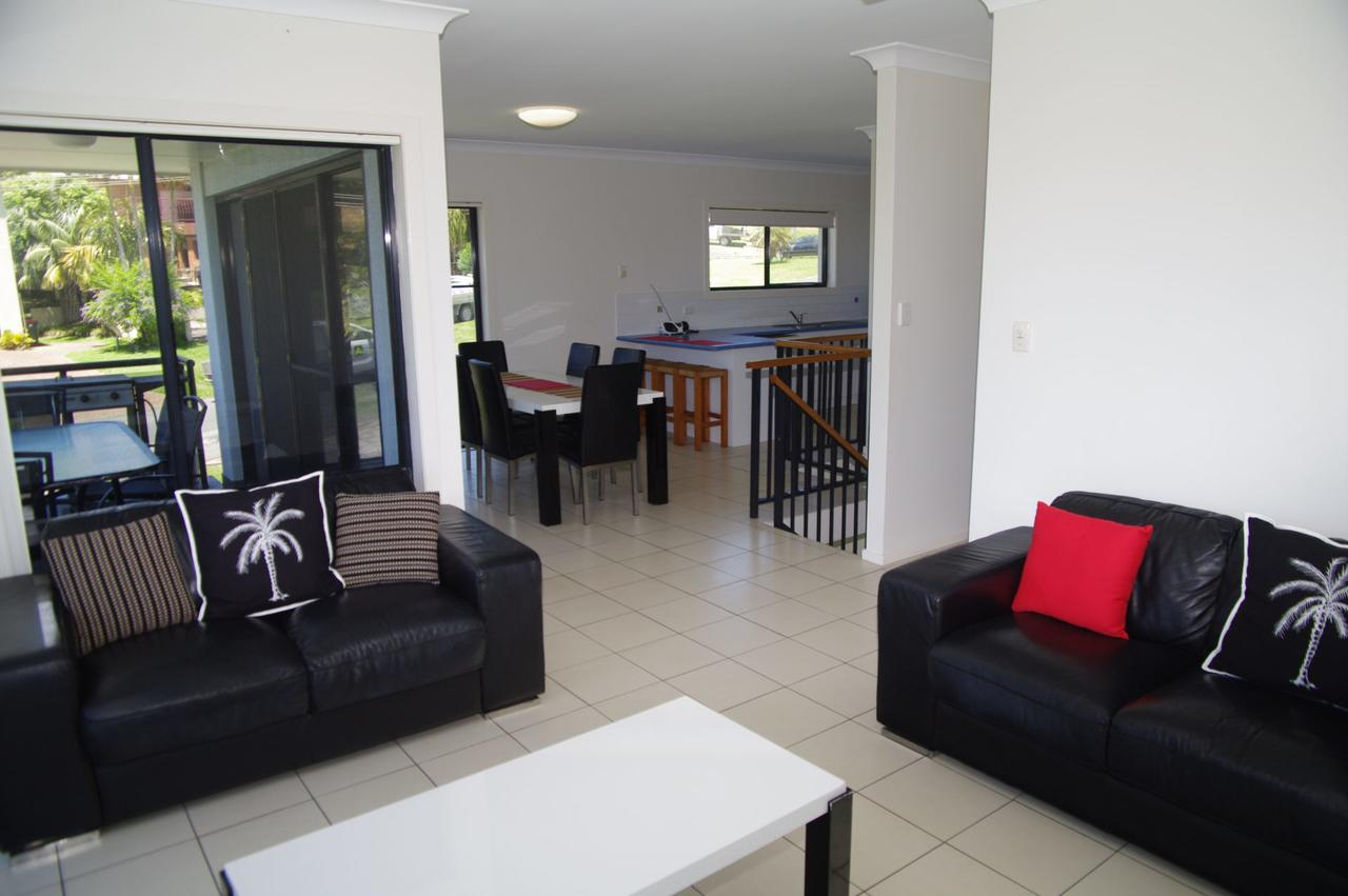 Breakaway 11 Scott Street - Hervey Bay Accommodation