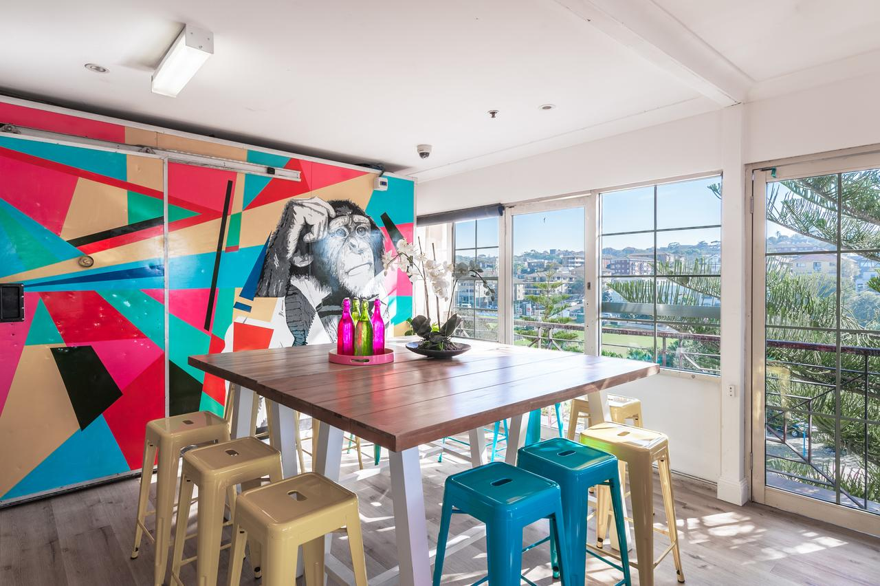 Mad Monkey Coogee Beach - Hervey Bay Accommodation