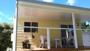 The Best Exotic Magnolia Cottage - Hervey Bay Accommodation