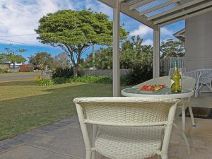 Callala Beach Cottage - charm and character - Hervey Bay Accommodation