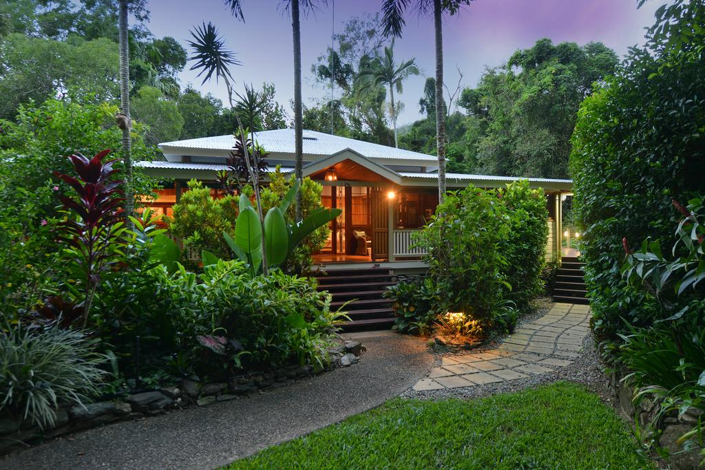 Port Douglas Valley Retreat - Hervey Bay Accommodation