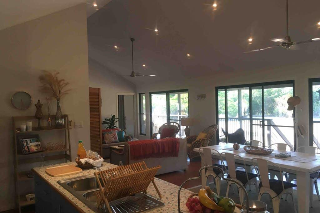 Valley Views Lodge Port Douglas - Hervey Bay Accommodation