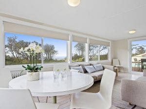 Beachbreak - fall asleep to the sound of the ocean - Hervey Bay Accommodation